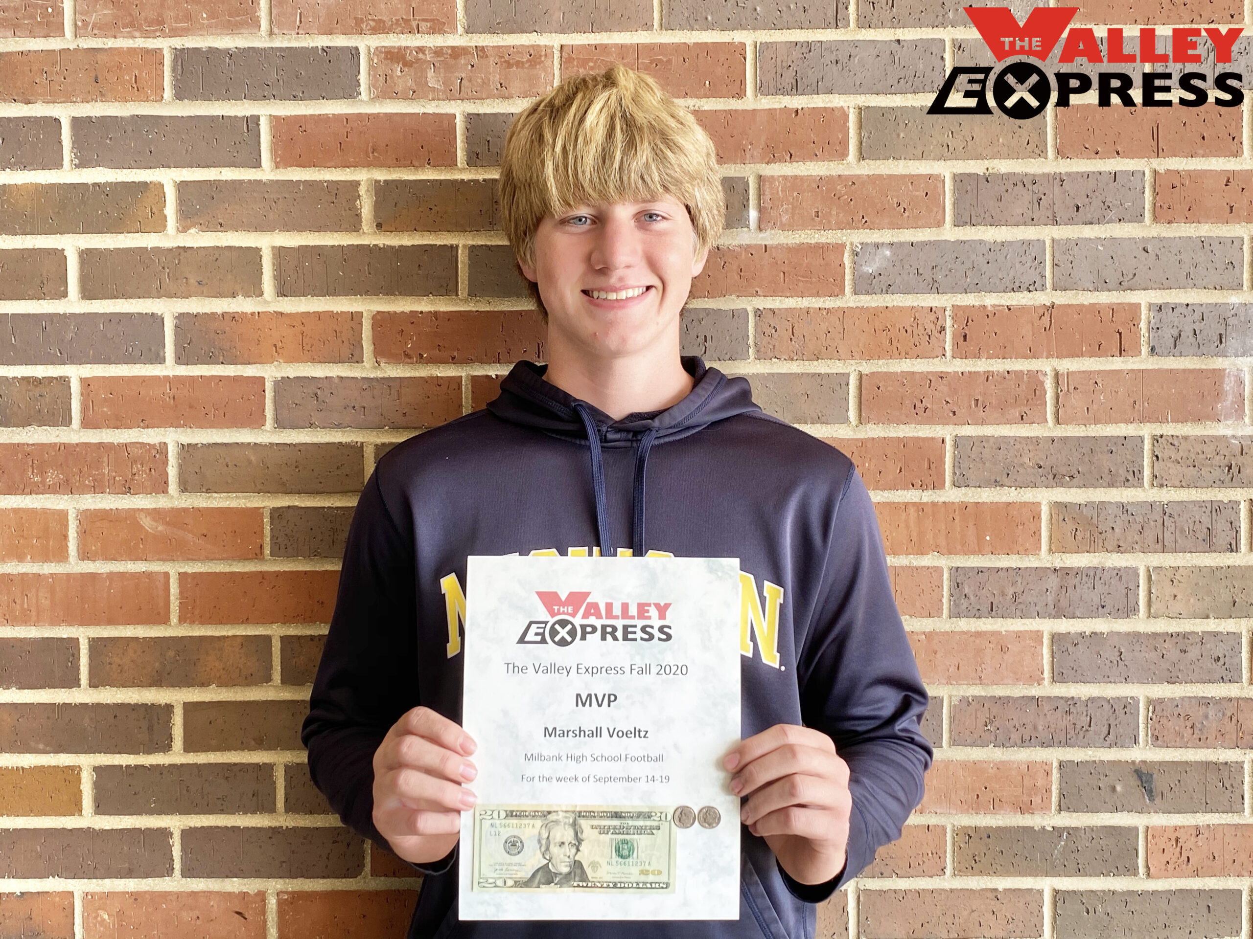 Voeltz First Recipient of The Valley Express 2020 Fall Sports MVP Award