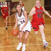 Thue Leads Lady Bulldogs Against Rival