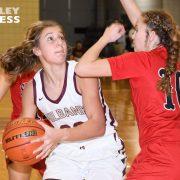 Lady Bulldogs Fall in Basketball Thriller