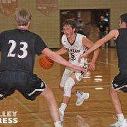 Three Bulldogs Score Double Figures in Hoops Battle