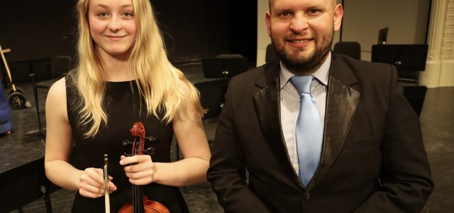 Rachel Schulte Performs in Honors Orchestra