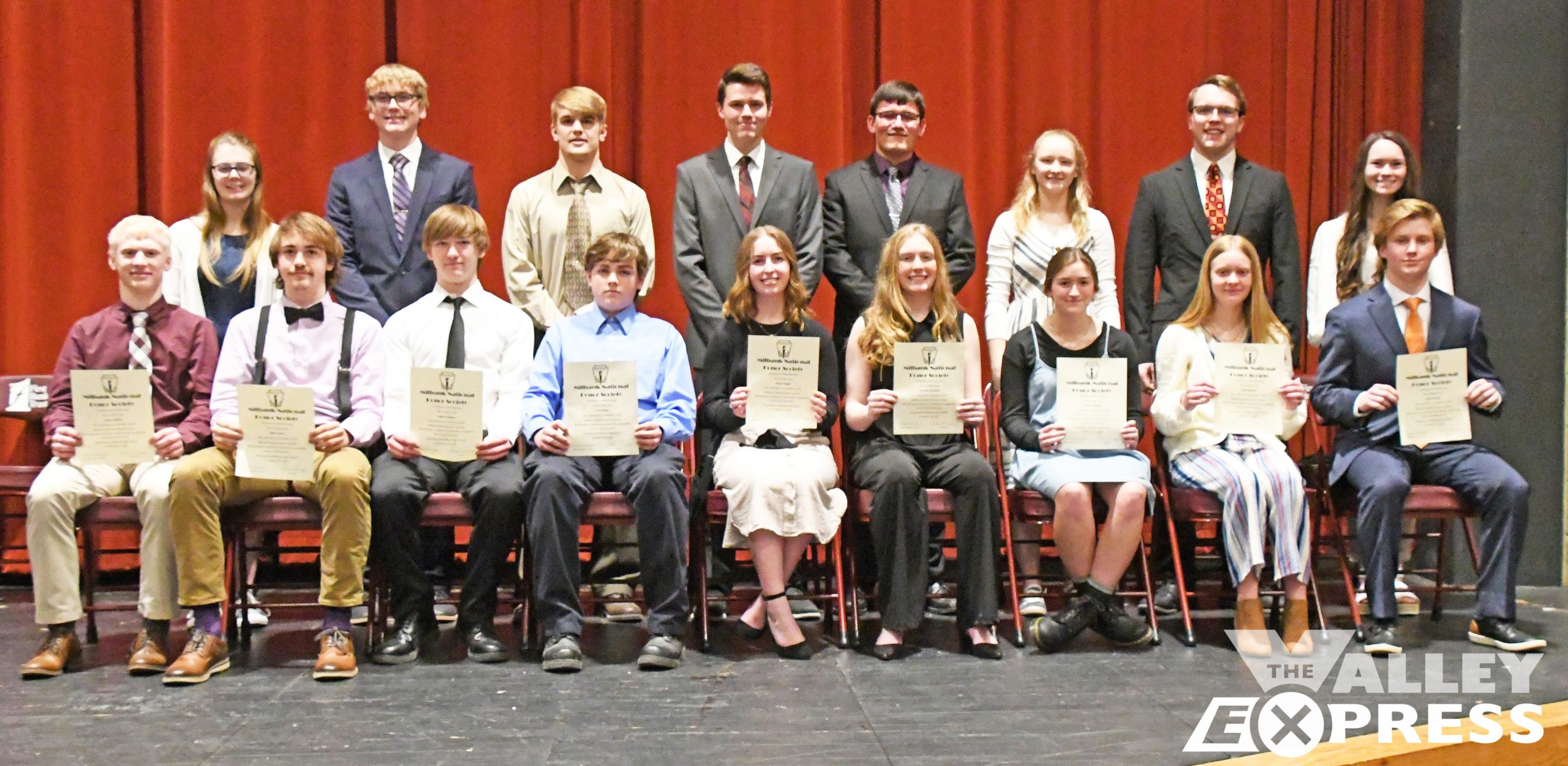 MHS Juniors Inducted Into Milbank Honor Society